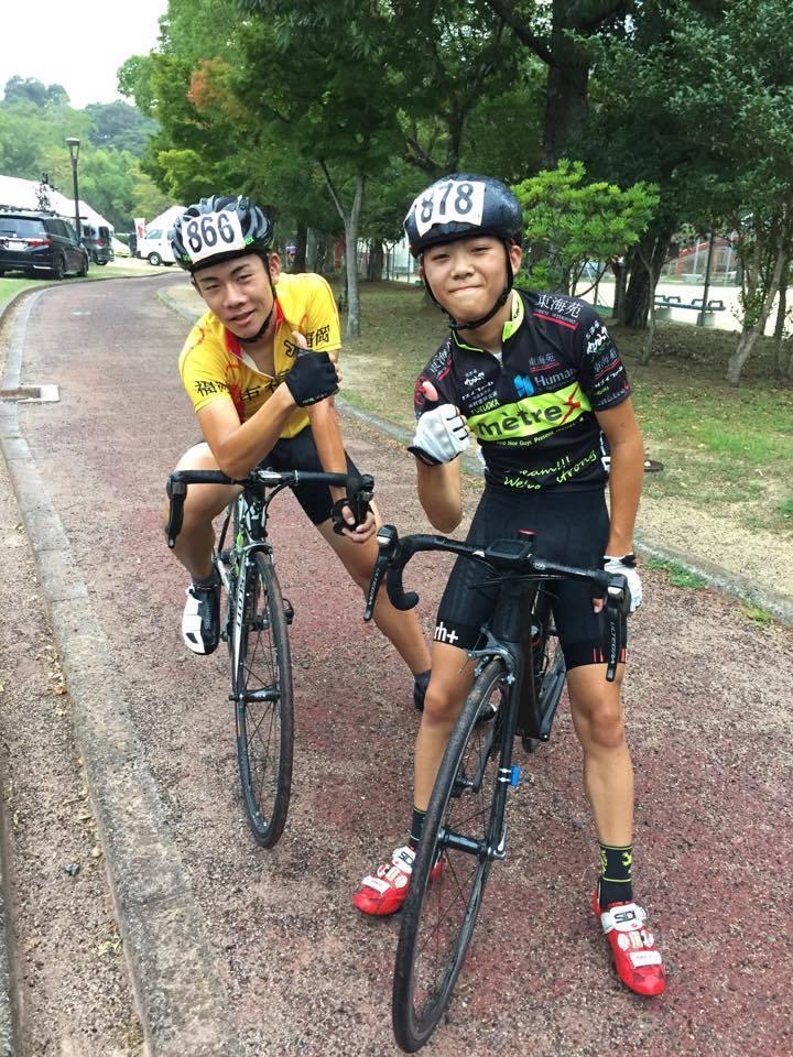 夏休みVC Fukuokaと練習を頑張った麻生さん(左)と讃井さん(右)